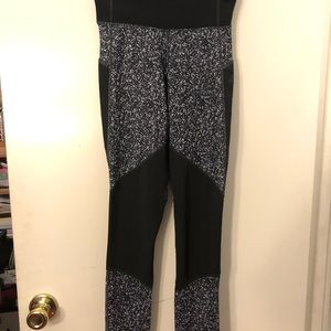 Adidas Mid Rise Long black & White leggings NEW 😍